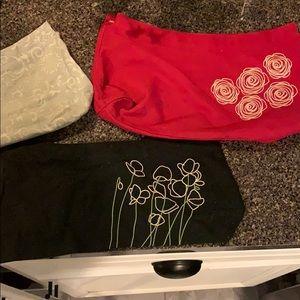 Thirty-one set of 3 purse skirts